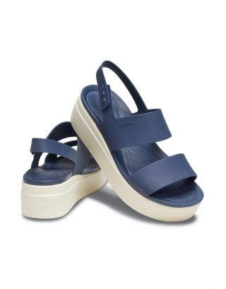 CROCS - SANDALO DONNA - BROOKLYN LOW WEDGE - 206453-46K - NAVY/STUCCO